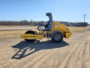 2005 Vibromax 66D Roller